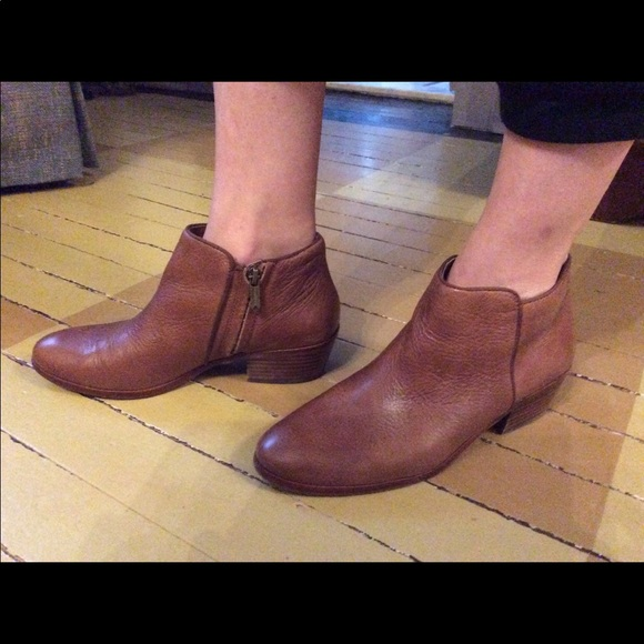 d63a3b6b97b661 Sam Edelman Petty Deep Saddle Leather Booties. M 5b7329155bbb807ea213d1bd